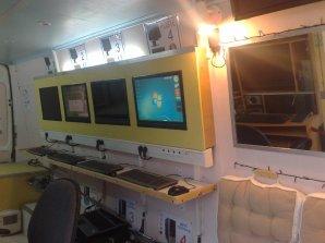service d pannage informatique sur la roquette sur siagne 06550 camion am nag en atelier. Black Bedroom Furniture Sets. Home Design Ideas